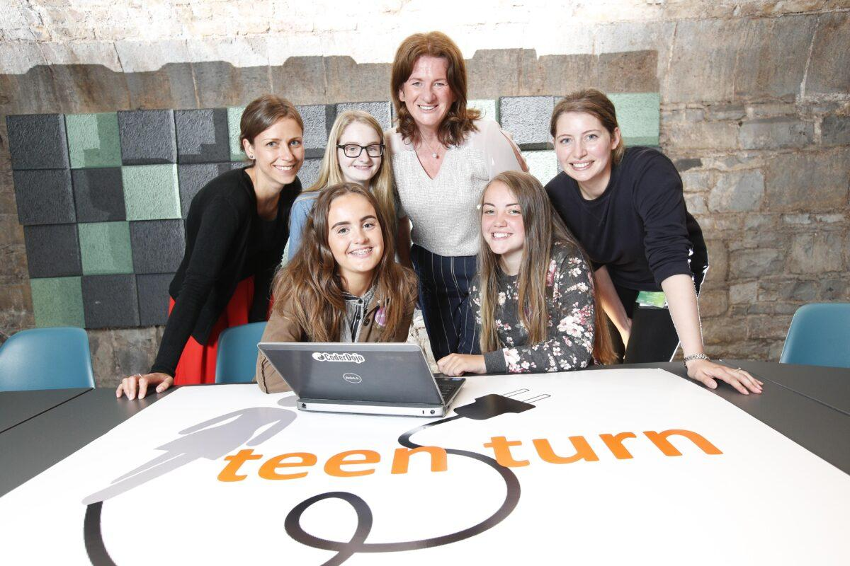 "*** NO REPRODUCTION FEE *** DUBLIN : 3/8/2016 : Teen-Turn programme brings together technology companies and DEIS post-primary schools to create opportunity equality in Ireland. The unique programme provides teen girls summer work placements with top technology companies in order to tackle the deficit of women in technology careers as well as bridge the divide between the corporate and the community. The ""Teen-Turnships"" commenced August 2nd, 2016 with 5 DEIS post-primary schools placing students on projects at 9 technology companies. Each placement is assigned a female mentor. Pictured (l-r) were mentors Dovile Janusauskaite, Laura Murphy and Sophie Sorel from Murex with students Shauna Montgomery, Chloe McDonnell and Laura Byrne from Ringsend College. Picture Conor McCabe Photography. MEDIA CONTACT : Joanne Dolan, dolanjo@tcd.ie"
